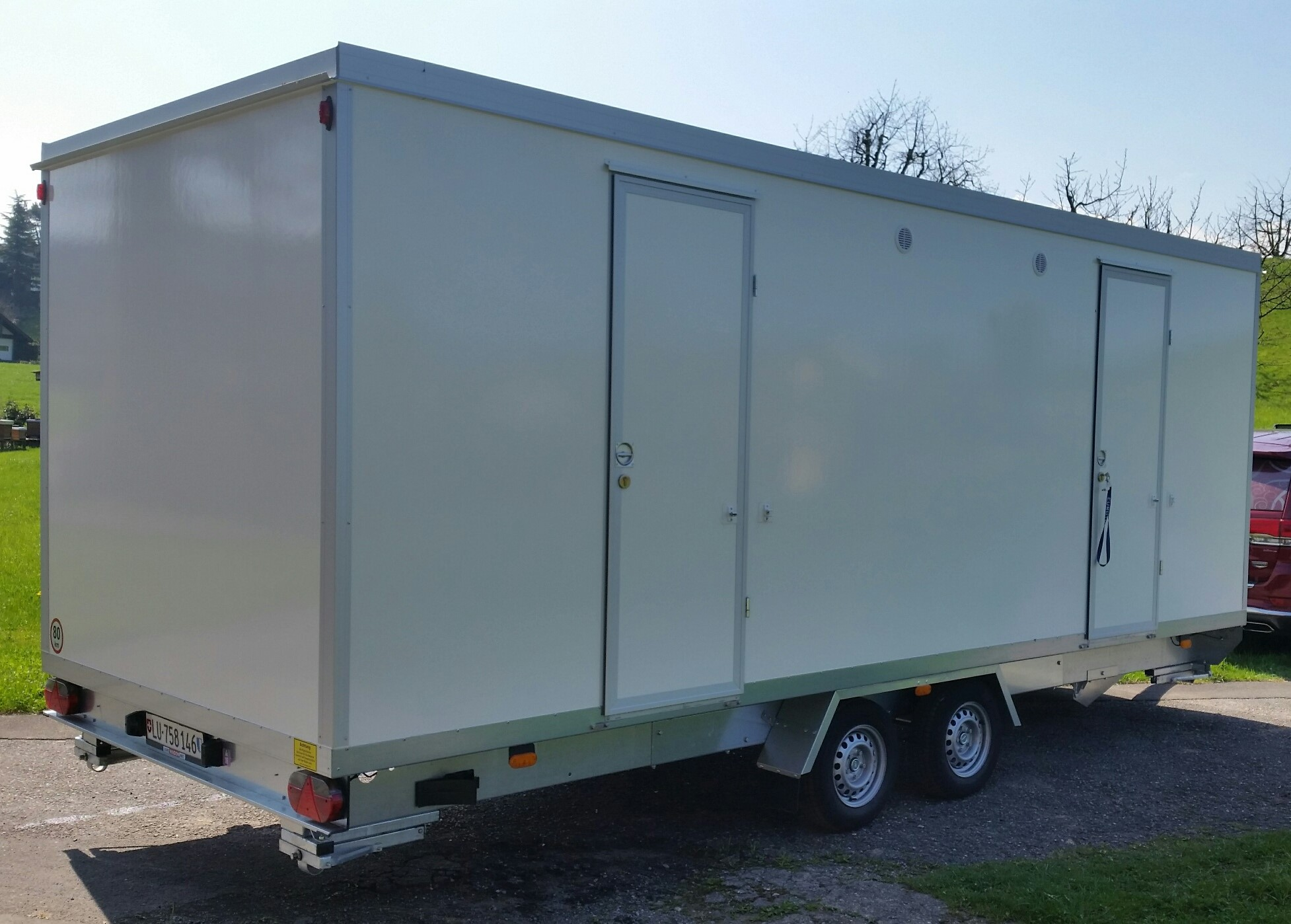 VIP WC-Wagen neu weiss (2)
